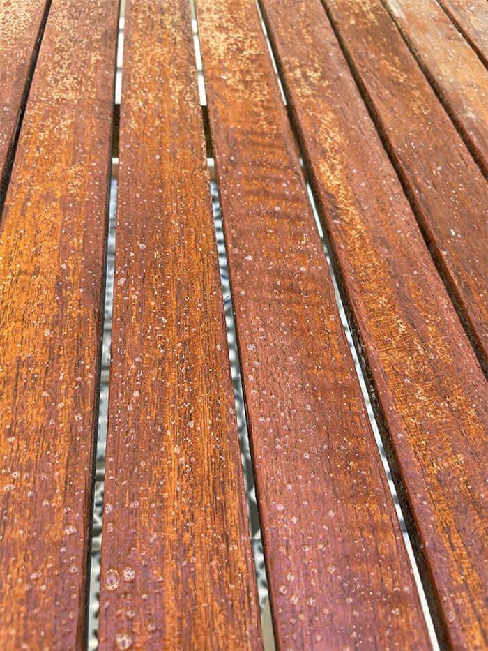 Restaura y limpia tus muebles y diferentes elementos de madera de exterior para que luzcan como nuevos cada año