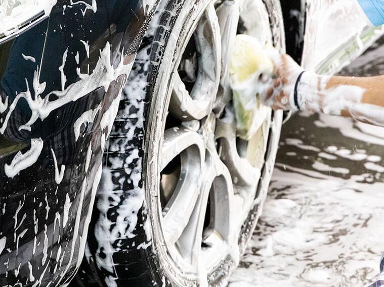 Repaso del coche: llantas, cristales y tapicería