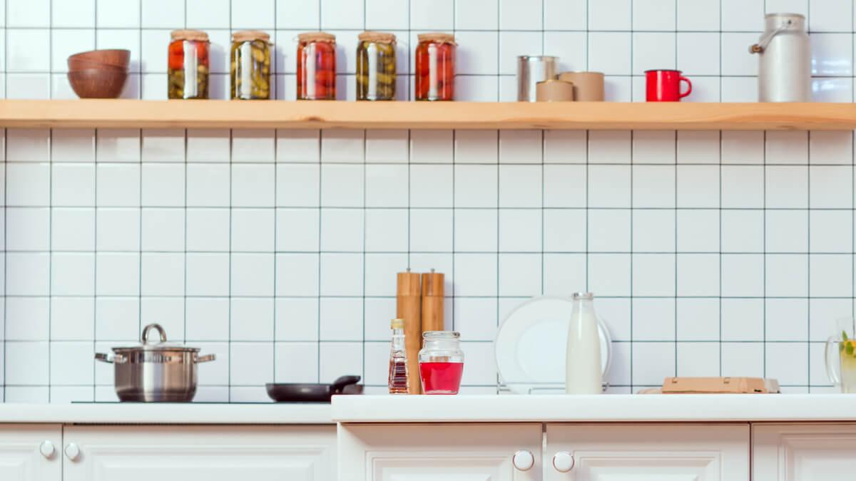 cocina con baldosas