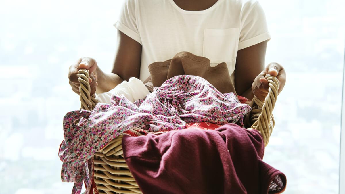 cesta de ropa sucia