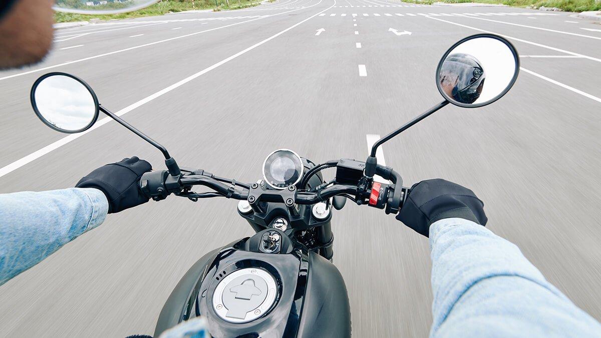 deposito de moto en marcha